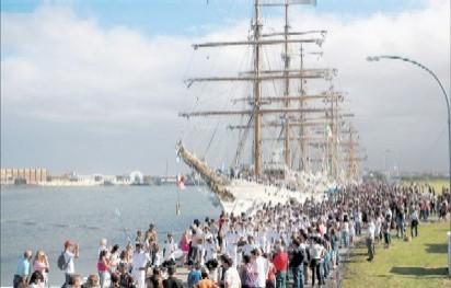 Desfile de las tripulaciones.
